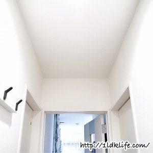 廊下の天井(作業前)