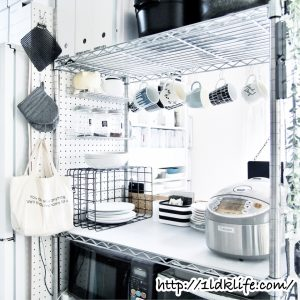 我が家の食器収納場所(3)カウンターにカップ